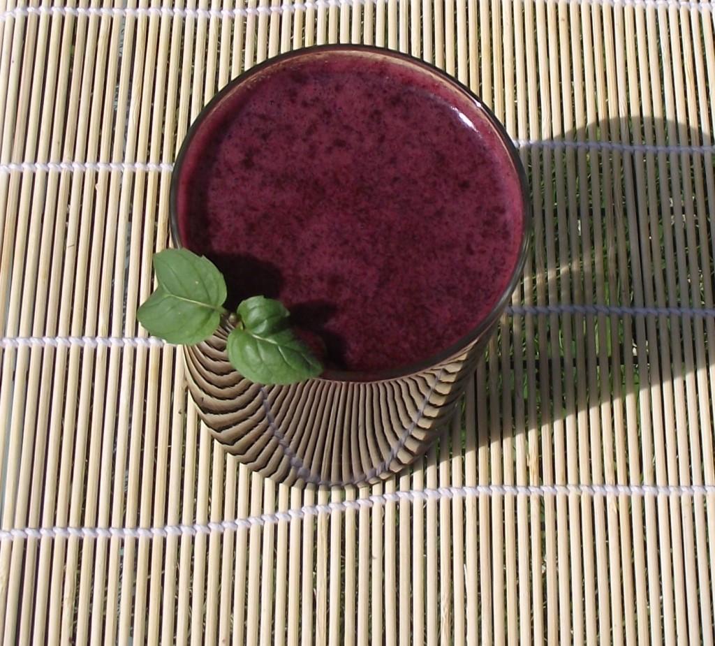 Fresh Raw Blueberry Juice with Mint Leaf, Benefits of Blueberries, How To Make Blueberry Juice